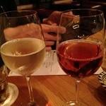 トウキョウ ファミリー レストラン - ポルトガルのグリーンワイン ヴィーニョ・ヴェルデ 650円 チュニジアのロゼ  ソルタン 650円