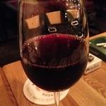 トウキョウ ファミリー レストラン - トルコの赤ワイン ヴィラ・ドルジェ 650円