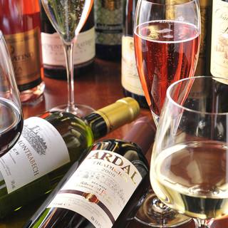 ボトルワイン50種類以上ございます。