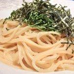 27497664 - パスタランチ 900円 の味自慢!!青紫蘇と海苔のタラコバターソース スパゲッティ