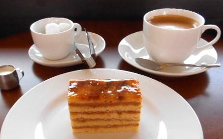シャルルフレーデル - 定番プララン+ホットコーヒー