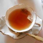 ローズガーデン えの木てい - 紅茶(ヴェルサイユローズ)