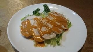 孔府家宴 - 鶏肉のゴマ風味380円
