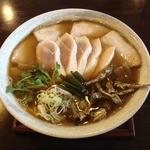 麺ゃ しき - 限定 純煮干し(880円)+らぁ祭ビンゴ特典鶏チャーシュー