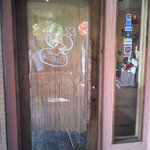2751457 - 入り口ドアはこちらなのです。
