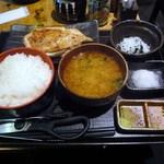 こがね屋 - 大山鶏の刺身ステーキ定食
