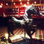 ポロ バー - バーの入り口には大きなお馬の銅像があり、結構豪華な雰囲気!