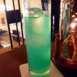 ポロ バー - チャイナブルー。                             ロンググラスで出てきました。ライチの甘い香りが大好き!