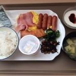 ベッセルホテル - 料理写真:朝食バイキング。