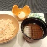 阿仁間 - ご飯、赤出汁