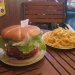 スリーナイン - モンスターバーガー(2390円) ※30分以内完食でハンバーガー代無料