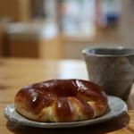 カントリーブラン - クリームパンとダッチコーヒー