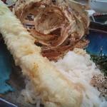 27532623 - 穴子の天ぷらは、かなり迫力と食べ応えがある1本もの!