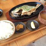 糸満漁民食堂 - タマンバター焼き定食