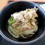 香川屋 - 肉ぶっかけ冷(盛り付けて肉ぶっかけ冷の完成)
