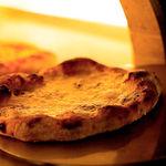 ザ ピッツァバー ON 38TH - 料理写真:目の前の窯で焼き上げる、シェフこだわりのピッツァ
