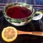 カフェマロ - 紅茶400円