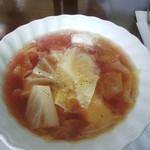 さらふぁーん - 料理写真:ボルシチ:トマトではなく、ビーツで色を出しています。