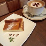 ツナグカフェ - ベイクドチーズケーキ¥540