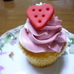 ロンドン カップケーキ - バニラストロベリー