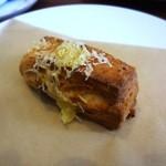 ブラウニーズ テラス - これは試作のベーコン&チーズ