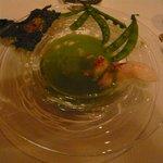 レストラン マノワ - 冷たいえんどう豆のポタージュ トマトの泡と共に(2014.5)