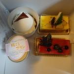 ウルソン - レアチーズケーキ、ポワール、絹ごしプリン、ムースカシス、