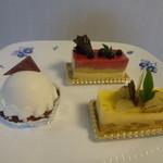 ウルソン - レアチーズケーキ、ムースカシス、ポワール