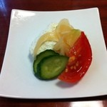 鮨亭 笹元 - あの島田豆腐店のお豆腐!醤油は付けずに、漬け込んだお野菜の味でいただく!絶品です!