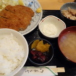 田うち - まぐろカツ定食