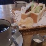 ミナレット - ドッグサンドセット650円