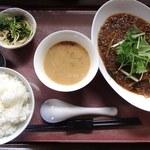 中華工房おかげさま - 料理写真:本日の限定(日替わり定食)の野菜入り麻婆春雨定食