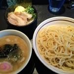 27562543 -  つけ麺+チャーシュー丼
