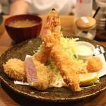 とん太 -  特ミックス定食 (エビ二本、ヒレ、魚(イカ)) (2014/05)