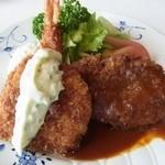 レストランホープ - 料理写真: ミックスフライランチ1