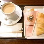 27564625 - いちご大福チョコクロセット¥330 コーヒーサイズUP¥50 パン追加¥160 で¥540☆♪