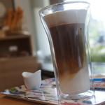 b's kafé -  アイスカフェラテ