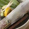竜一 - 料理写真: ヤリイカ活造り 新鮮な食感がたまらない!