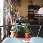 コーヒーハウス ナカザワ -  喫茶店らしくマンガや雑誌が有ります。v(・∀・*)