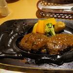 炭焼きレストランさわやか - 料理写真: げんこつハンバーグとサラダ、パンのセット