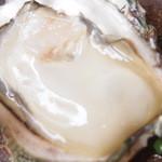市場食堂 さかなや - 隠岐の島岩牡蠣