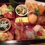 よし春 -   お昼のランチ(1000円)おかず