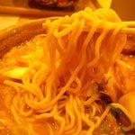 味噌乃家 -  自家製麺はゆるい縮れ