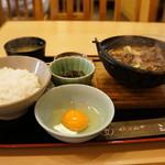 さんのみや 三ッ輪 -  牛鍋定食850円の全景