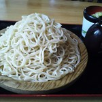 藤源 -  この量です! もり蕎麦(中盛り)