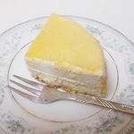 ラトーナ -  チーズケーキカット