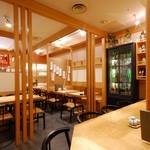 松島 -  小グループの方はテーブル席で
