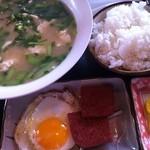 サムウェイ -  ゆし豆腐定食500円