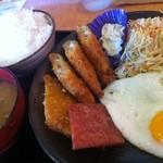 サムウェイ -  魚フライ定食500円