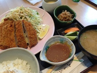 粋・丸新 -  マグロチーズカツ定食